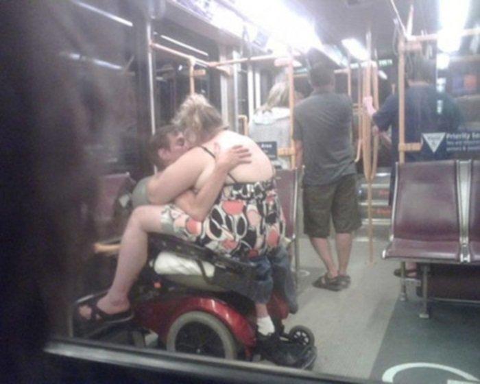 7. Любовь зла.... курьез, метро, странные люди, флеш моб, фрики, юмор