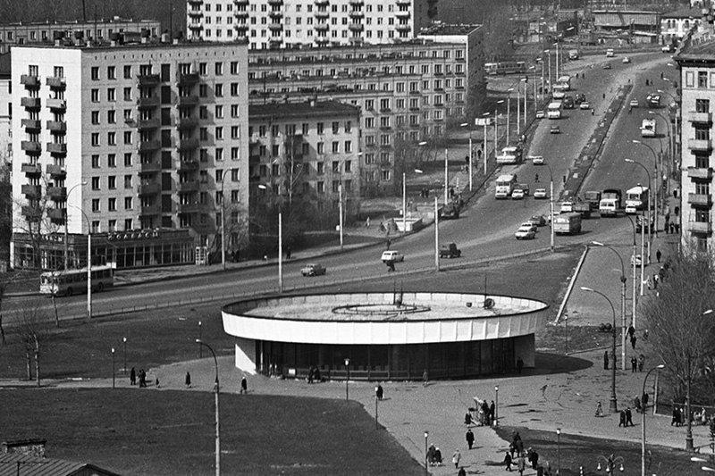 """Станция метро """"Улица 1905 года"""".  1975г. СССР, ностальгия, улицы Москвы"""