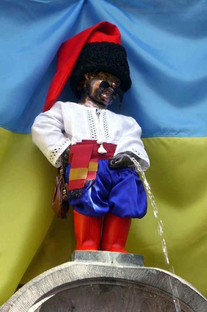 Писающий мальчик в костюме украинского казака Популярность, история, символ, скульптура