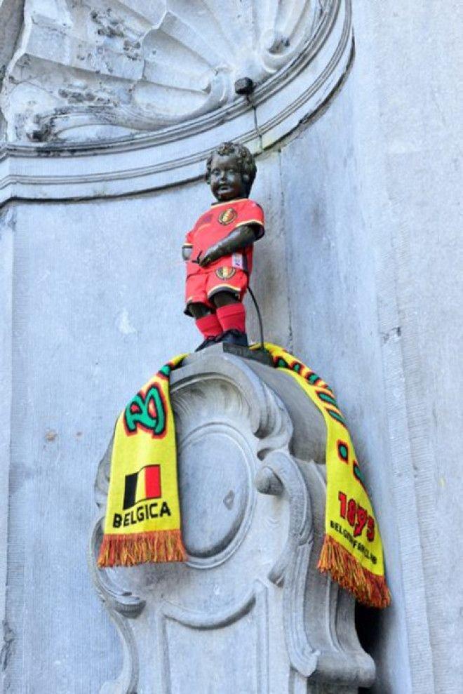 Писающий мальчик в форме футбольной команды Бельгии Популярность, история, символ, скульптура