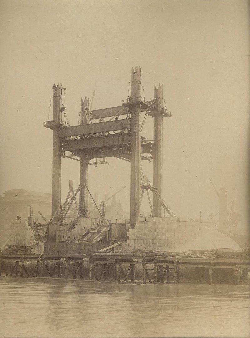 Тауэрский мост - это разводная конструкция длиной 244 метра достопримечательности, интересно, история, строение, фото
