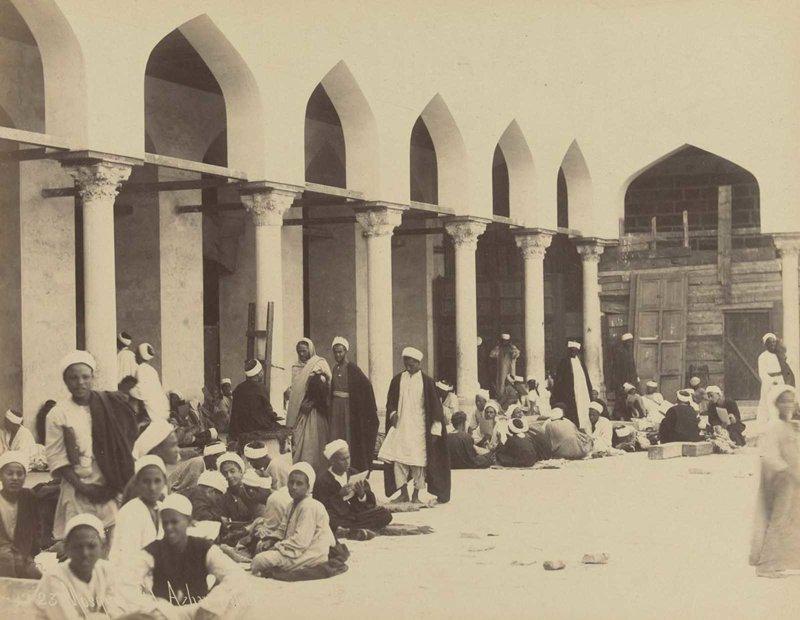 7. Студенты в мечети Аль-Азхар братья Зангаки, египет, интересно, история, фото