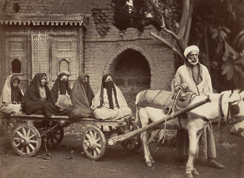 1. Богатый мужчина и его жены со слугой  братья Зангаки, египет, интересно, история, фото