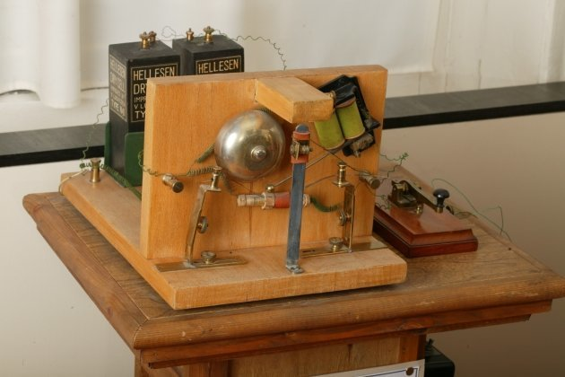 Физики спорят, или Кто успел, тот и запатентовал bell, tesla, изобретатели, лампочка, наука, попов, радио