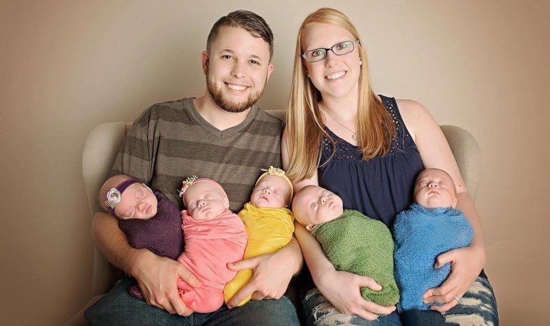 У пары родились сразу пять детей. Теперь их жизнь бесконечный конвейер для младенцев в мире, дети, история, люди, пятерня, родители