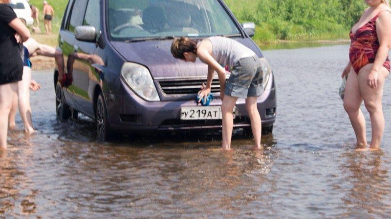 Штраф за мойку автомобиля в реке многократно возрастет ynews, мойка автомобиля, новости, санитарные зоны, штрафы