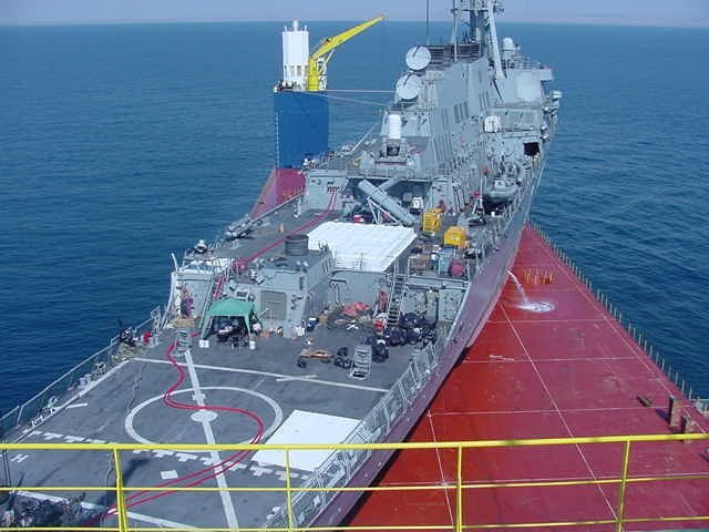 Перевозка эсминца «USS Cole» с ближнего востока в штаты. море, морское судно, судно