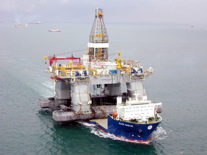 """Перевозка нефтяной платформы """"Thunder Horse"""" море, морское судно, судно"""