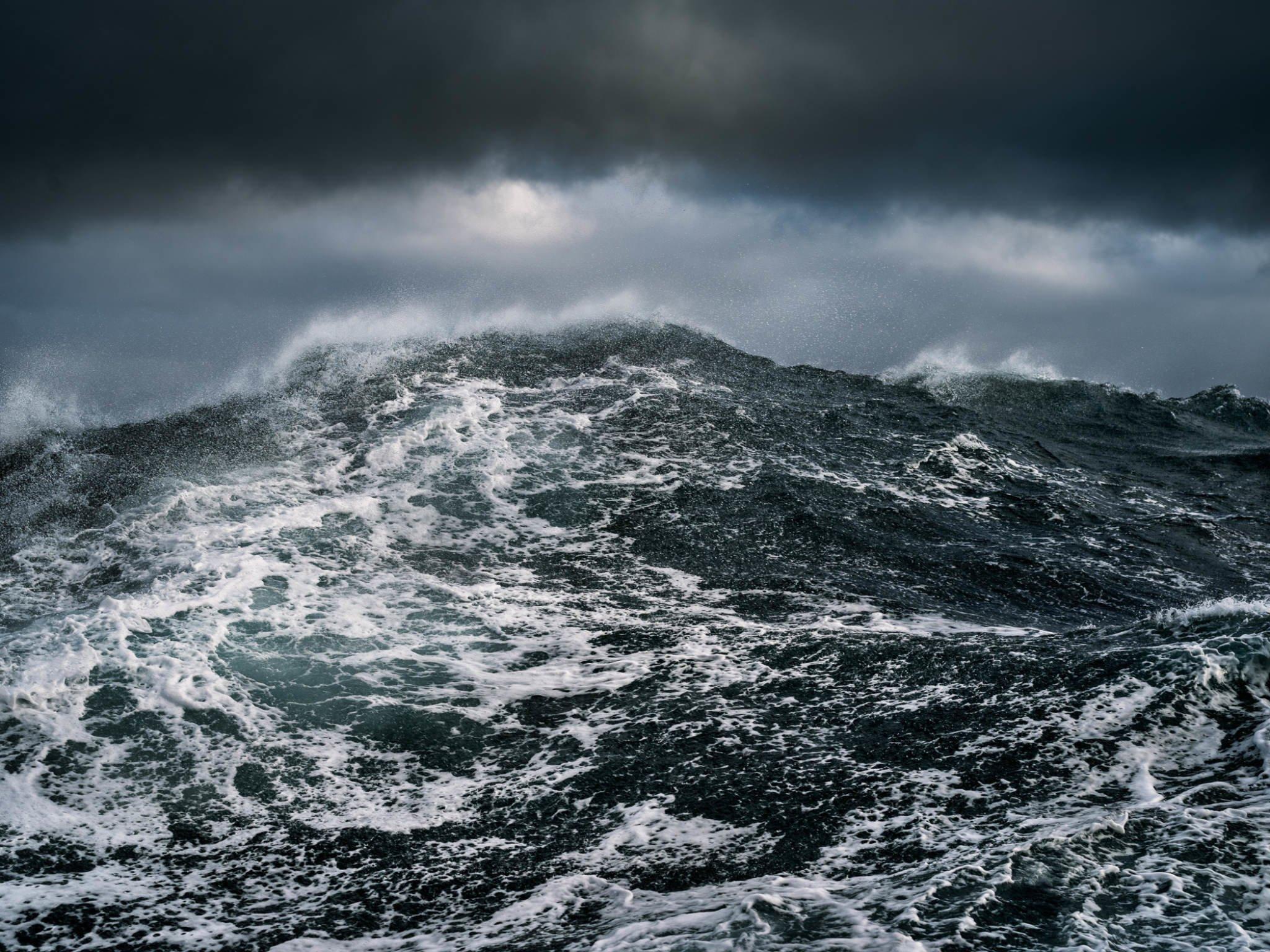 Океан картинки темные