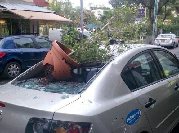 А это страховой случай? авто, автомобилисты, морю, нелепые фото, прикол, случаи, фото