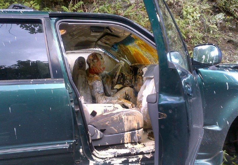 Не перевозите в машине краску... авто, автомобилисты, морю, нелепые фото, прикол, случаи, фото