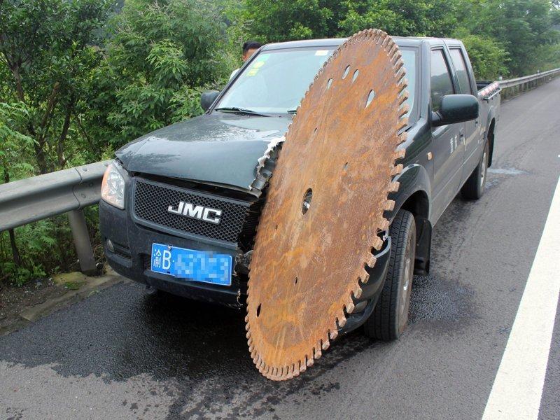Оптимус Прайм разозлился авто, автомобилисты, морю, нелепые фото, прикол, случаи, фото