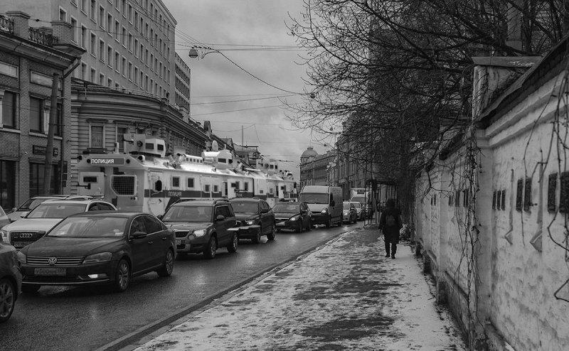 «Бронебус БАВ» - иностранцы поверили в шуточный проект бронированного автобуса 1 апреля, авто, автобус, бронебус, броневик, прикол, спецтехника, шутка