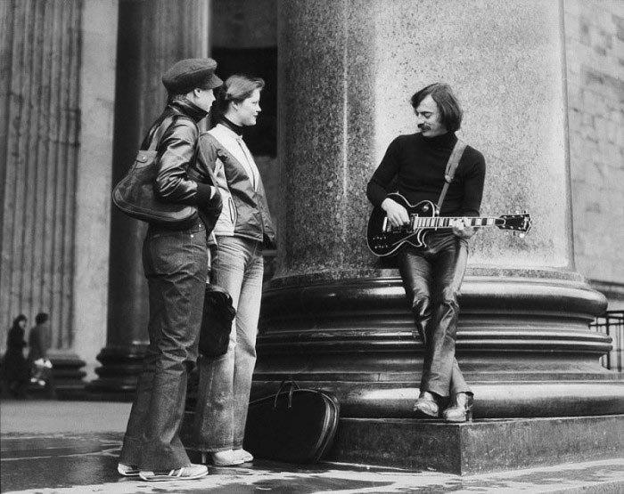 Михаил Боярский возле Исаакиевского собора, 1982 году звезды, знаменитости, люди, музыканты, певцы, фотограф