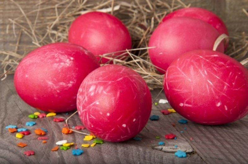 8. Если не нравится луковая шелуха или пищевые красители, можно использовать натуральные  пасха, праздник, украшение яиц, яйца