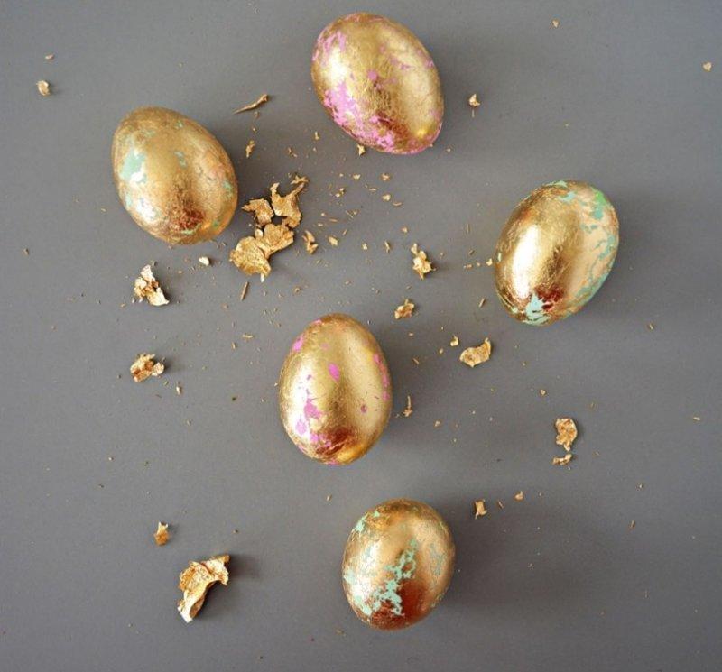 7. Золотые яйца получить гораздо проще, чем кажется! Жаль, что золото это из фольги  пасха, праздник, украшение яиц, яйца