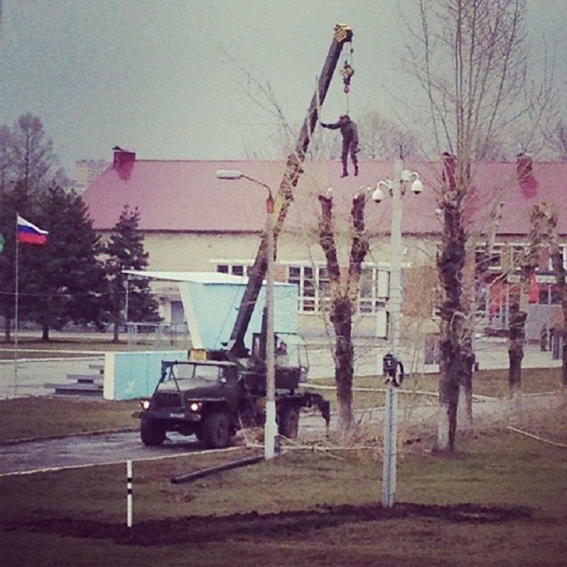 2. Это всего лишь работа, а не способ казни. действительность, медведи, россия, русский, фото, экстрим