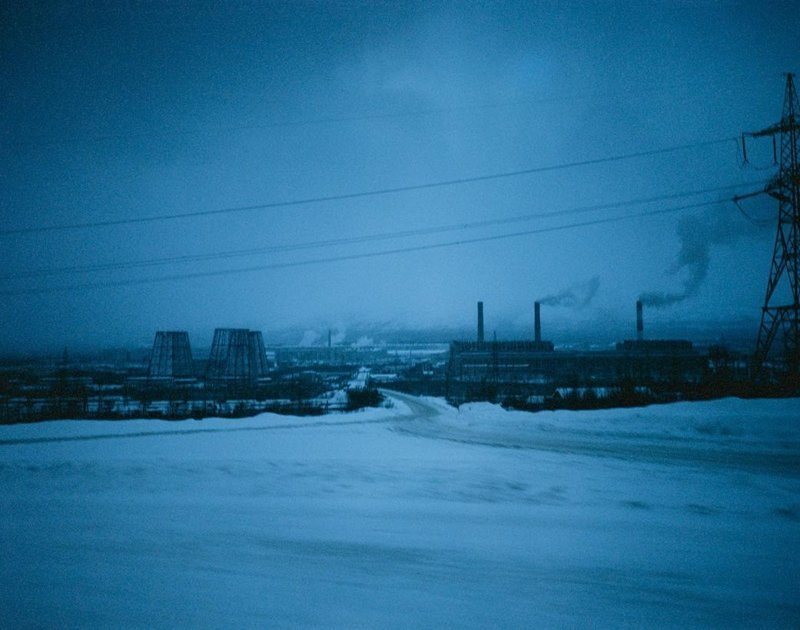 Апатиты, январь 2005 полярные ночи, русский север, саймон робертс, фотография