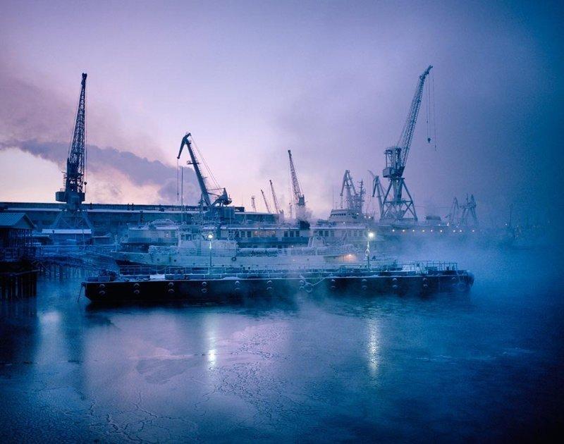 Порт Мурманска, январь 2005 полярные ночи, русский север, саймон робертс, фотография