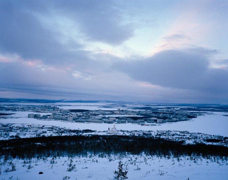 Мончегорск, январь 2005 полярные ночи, русский север, саймон робертс, фотография