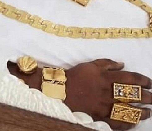 Необычные похороны миллионера из Тринидада Тринидад и Тобаго, богатство, интересно, красиво жить не запретишь, необычно, похороны миллионера, роскошь, у богатых свои причуды