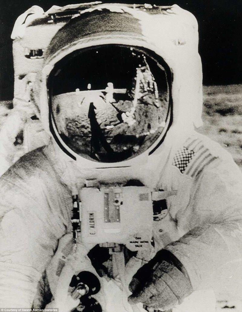 Базз Олдрин на поверхности Луны. Фотография сделана Нилом Армстронгом Apollo, gemini, nasa, Программа Меркурий, космические запуски, космические миссии, космос, фотоархив