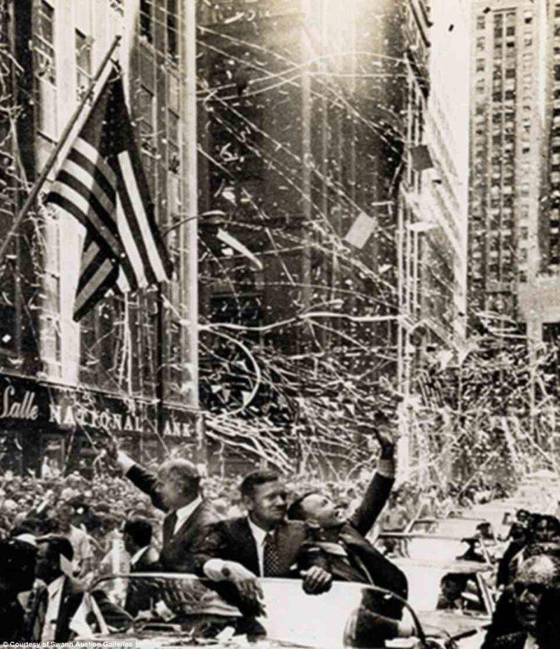 """Астронавты """"Аполлона-11"""" Базз Олдрин (слева), Нил Армстронг (в центре) и Майкл Коллинз (справа) на параде в их честь Apollo, gemini, nasa, Программа Меркурий, космические запуски, космические миссии, космос, фотоархив"""