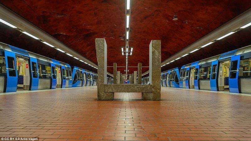 Станция Skarpnäck галерея, метро, метрополитен, метрополитены мира, подземка, стокгольм, художественная выставка, швеция