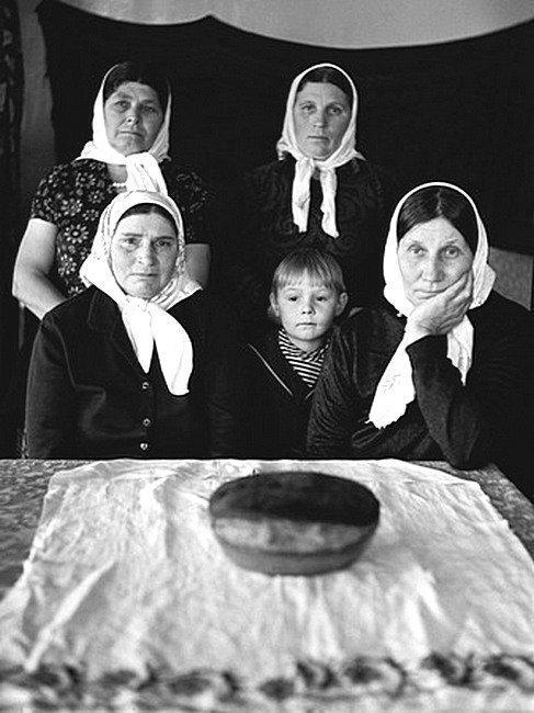 Хлеборобы войны. Автор: Юрий Рост ретро, россия, черно-белая фотография