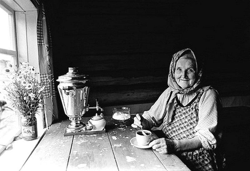 Чаепитие. Автор: Юрий Рост ретро, россия, черно-белая фотография