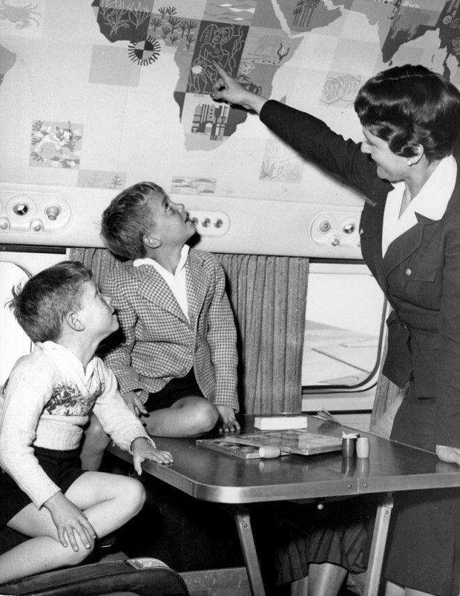 Дети не пялились на экраны телевизоров, вместо этого у них был увлекательный урок географии Шикарно, богатство, охренели, перелёт, роскошь, самолёт, фото