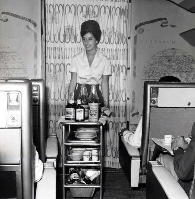 Большинство видов униформы тогда включало головные уборы Шикарно, богатство, охренели, перелёт, роскошь, самолёт, фото