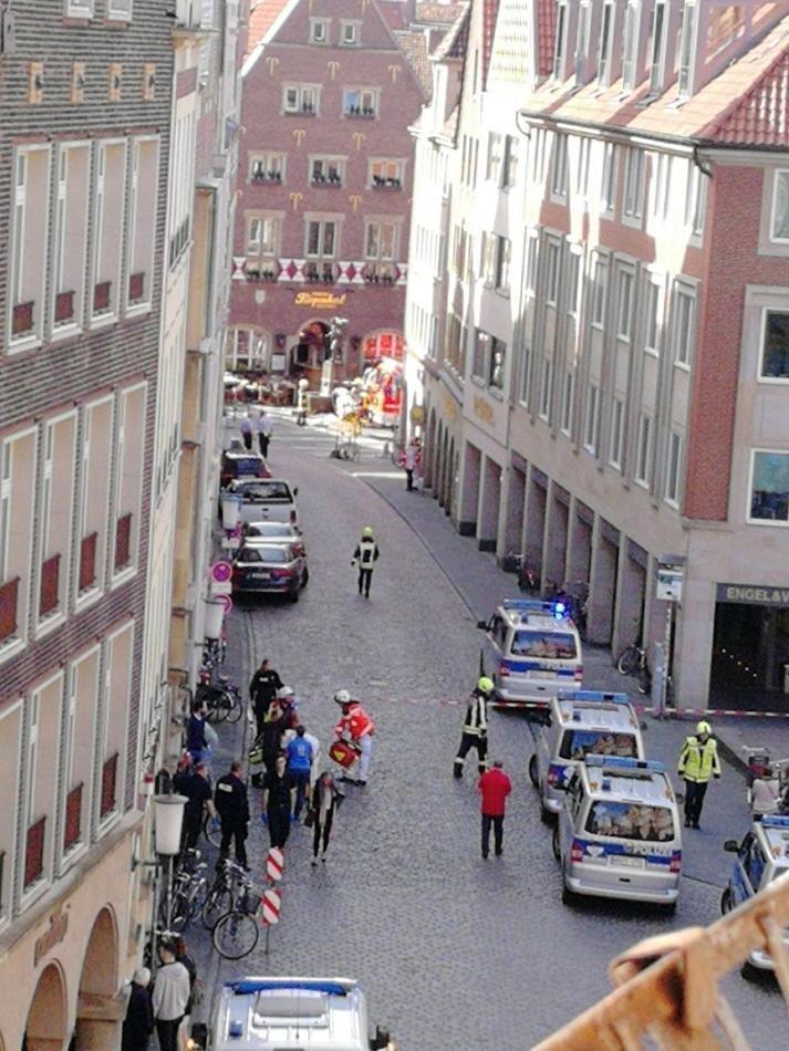 В Германии грузовик протаранил толпу, есть погибшие ynews, дтп, погибшие, преступление, происшествие