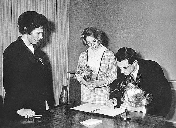 Богдан Ступка и Лариса Корниенко, 1967 актеры, звезды, знаменитости, политики, свадьба, эстрада