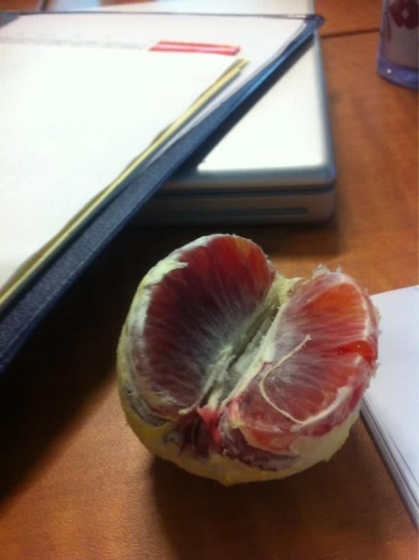 11. Очищенный кровавый апельсин Вопрос ребром, восприятие, кожура, овощи, очищенные, фрукты, фрукты и овощи, ягоды