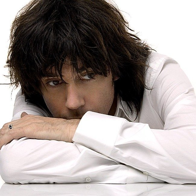 Жан-Мишель Жарр в 2004 году композитор, музыка, франция