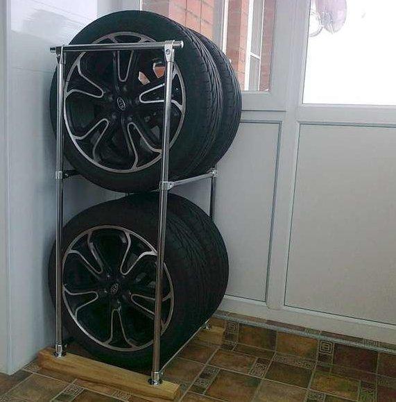 В зависимости от свободного места, стойку делают под 2 или 4 колеса авто, автомир, резина, фото, хранение резины, шины