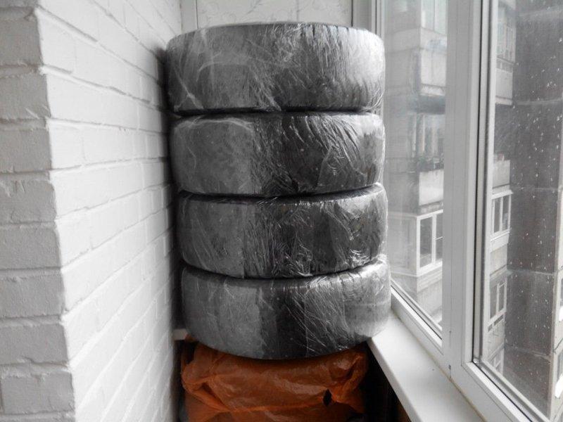 Не забывайте, что резину нужно почистить и по возможности упаковать в пленку или пакеты авто, автомир, резина, фото, хранение резины, шины