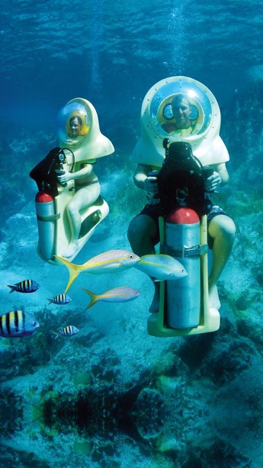7. Отправляйтесь на Багамы и попробуйте покататься на подводных скутерах–субмаринах игры, игры для взрослых, идеи для развлечений, интересно, фото