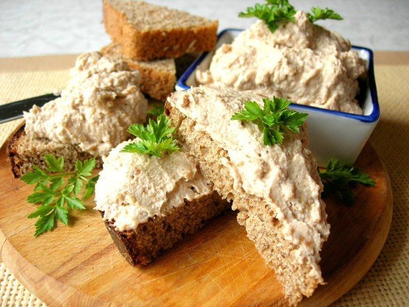 Идея для завтрака – яичный паштет. Как использовать оставшиеся крашенные яйца после Пасхи? видео, еда, завтрак, как приготовить, паштет, после Пасхи, рецепт