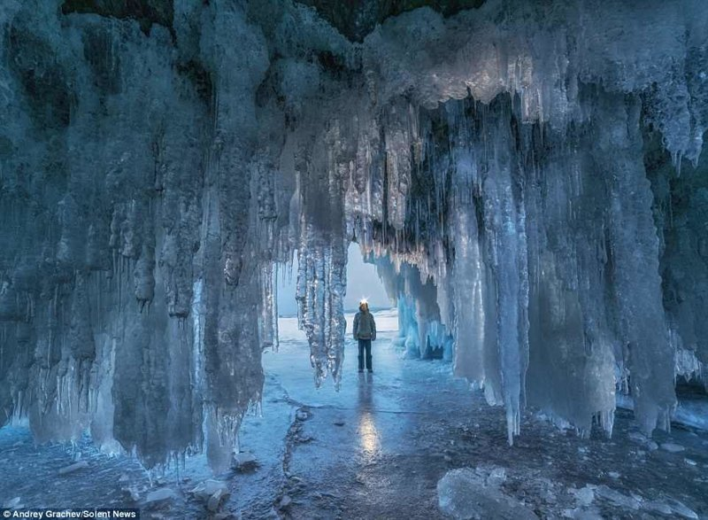 Фантастические ледяные пещеры Байкала в объективе Андрея Грачева байкал, красиво, красивый вид, ледяные пещеры, пейзаж, природа, россия, фото
