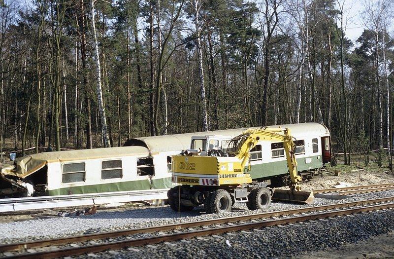 За секунду до катастрофы 9 апреля 1993 года, германия, железнодорожная катастрофа