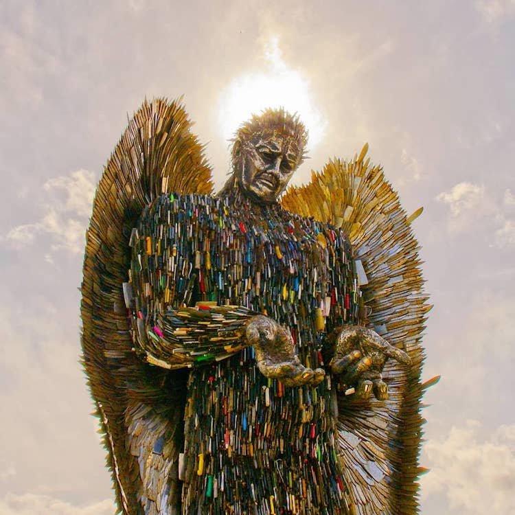 Скульптура ангела из 100 тысяч ножей, конфискованных полицией   Альфи Брэдли, Скульптуры, в мире, искусство, люди, нож