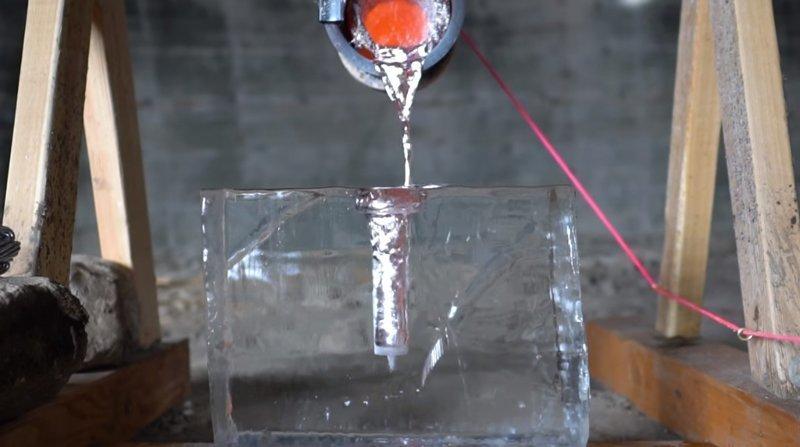 Алюминий vs лёд: кто победит в итоге? ynews, алюминий, видео, интересное, любопытство, лёд, эксперимент