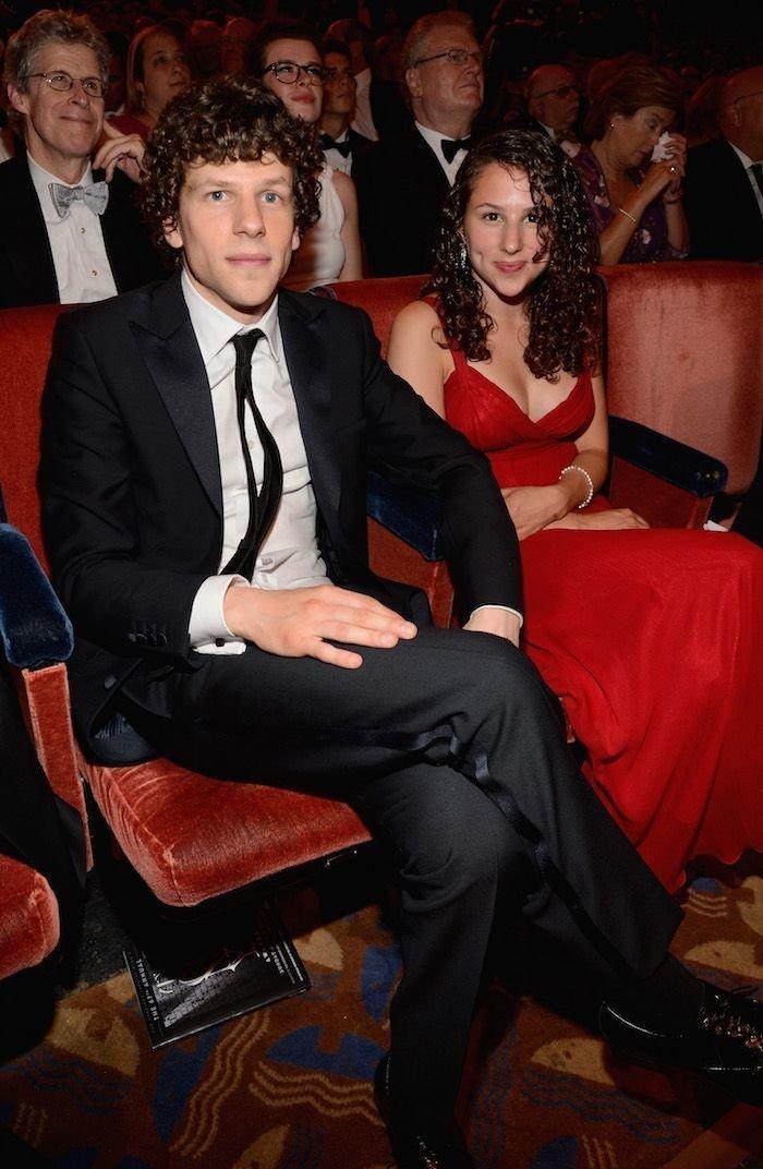 Джесси и Халли Айзенберг актер, брат, голливуд, звезды, знаменитости, сестра, фото