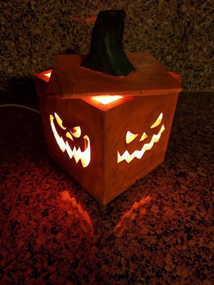 9. Тыква из дерева на Хэллоуин  идея, креатив, мастер, самоделки, своими руками, сделай сам, фото