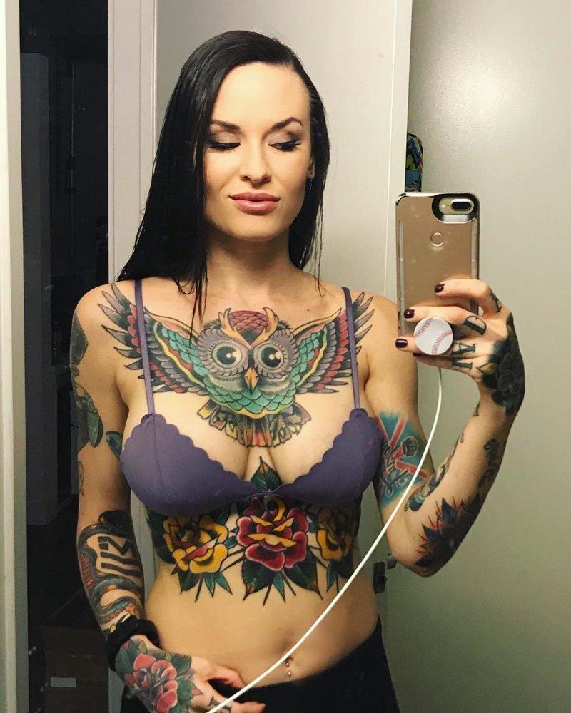25 девушек с татуировками на груди Instagram, грудь, девушки, красота, татуировки