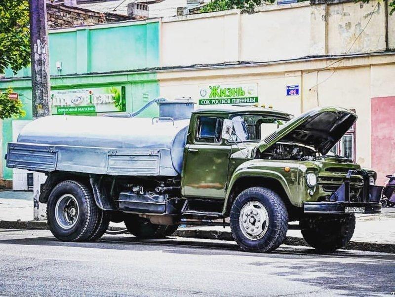 С 1947 по 1957 год завод ЗИЛ выпустил более 770 тысяч автомобилей ЗИС-150. А с 1957 года перешёл на выпуск ЗИЛ-164 СССР, автомобили, грузовик, зил