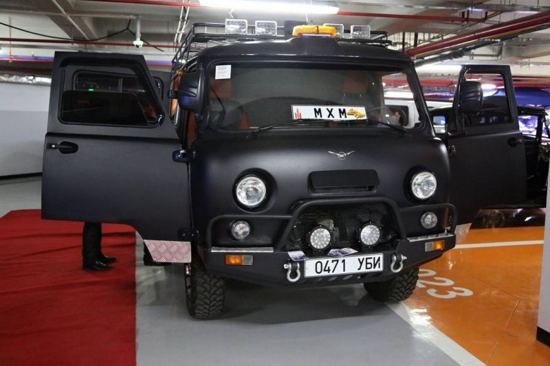 """В Монголии сделали """"буханку"""" с невероятно шикарным VIP интерьером авто, автомобили. тюнинг, автотюнинг, буханка, дом на колесах, уаз, уаз буханка"""
