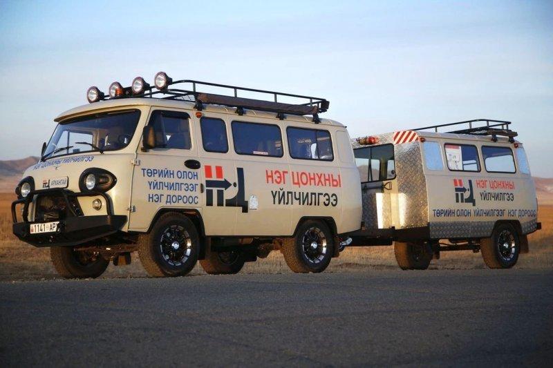 """Кстати, в портфолио компании МХМ есть и другие проекты """"буханок"""", например, вариант с прицепом. Шикарно, и только для Монголии! авто, автомобили. тюнинг, автотюнинг, буханка, дом на колесах, уаз, уаз буханка"""